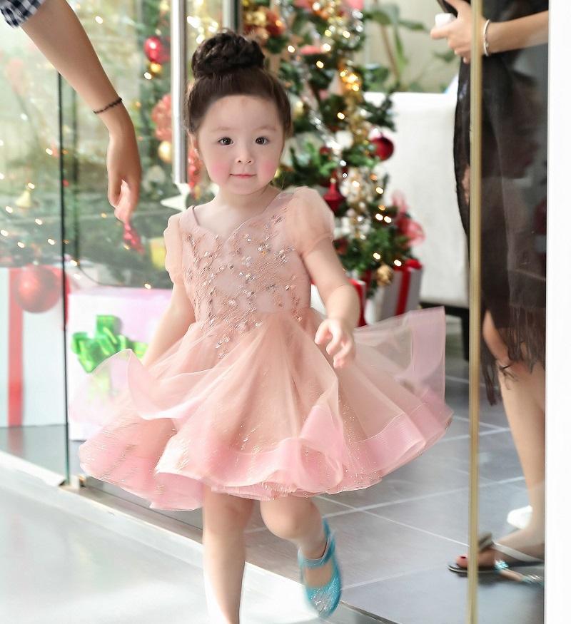 Tiêu chí chọn tên hay, hợp phong thủy và ý nghĩa cho con gái họ Trương