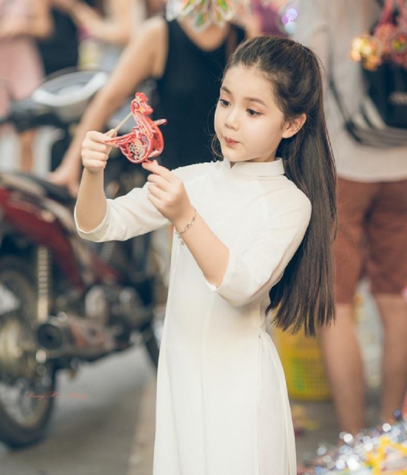 Bố họ Vương nên đặt tên con gái là gì? Tên hay cho con gái họ Vương