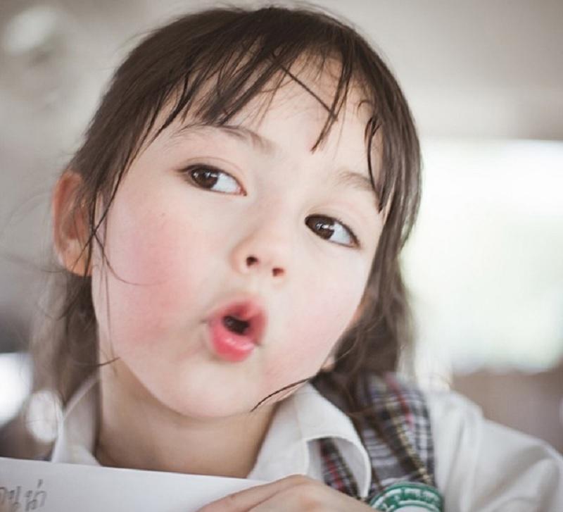 Bố họ Vương nên đặt tên con gái là gì? Đặt tên con gái họ Vương hợp phong thủy