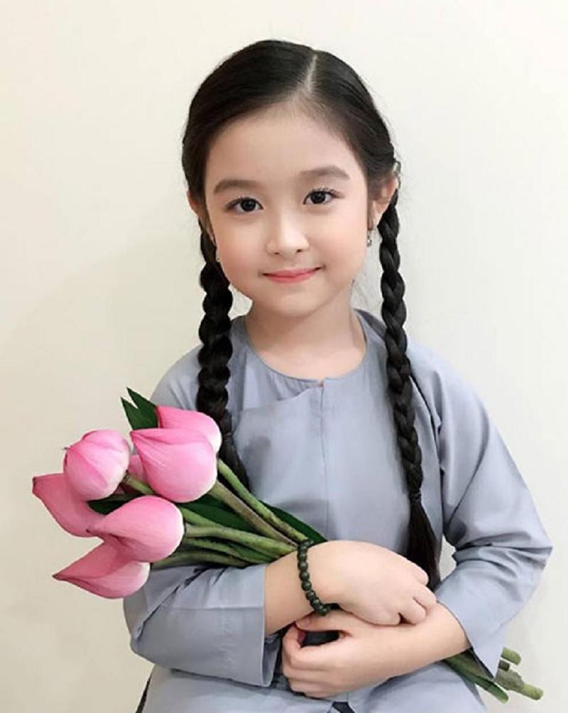 Tên đệm cho con gái tên Trinh xinh đẹp. Đặt tên đệm cho con gái tên Trinh xinh đẹp, thông minh