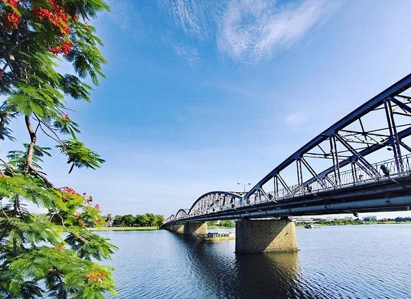 Tên các dòng sông ở Việt Nam, sông Hương